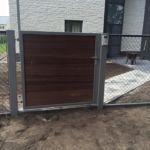 Moderne poort - padoek in frame